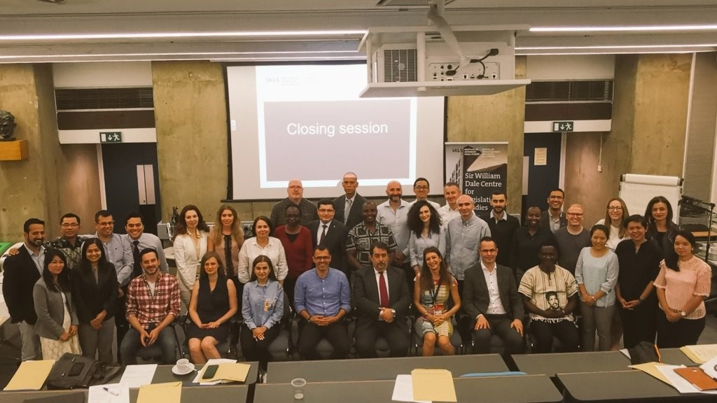 Photograph of all participants and lecturers at the PLS course held at IALS 2019
