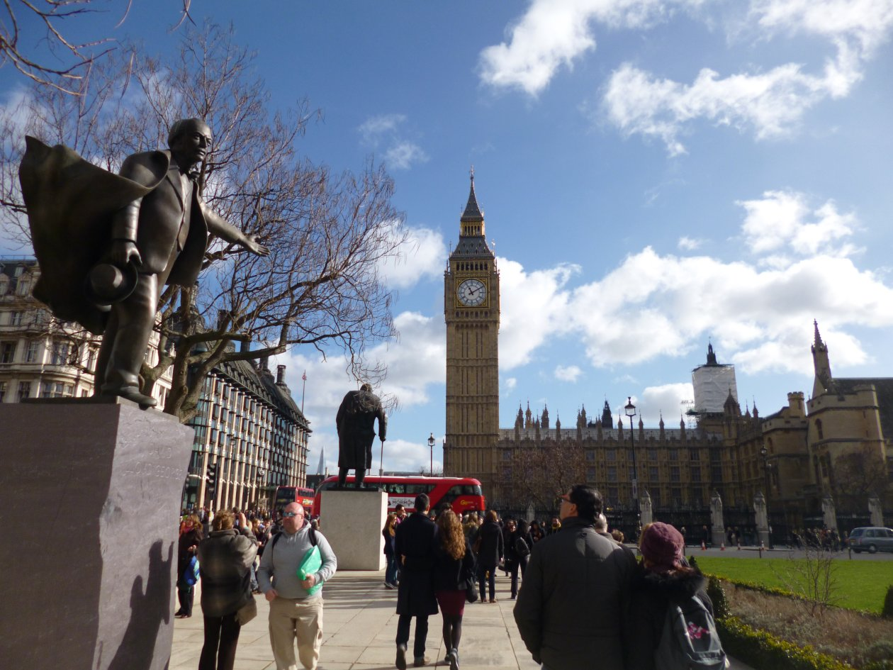 Lloyd George points the way to Parliament, Westminster, London